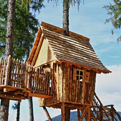Casetta-di-legno-sugli-alberi