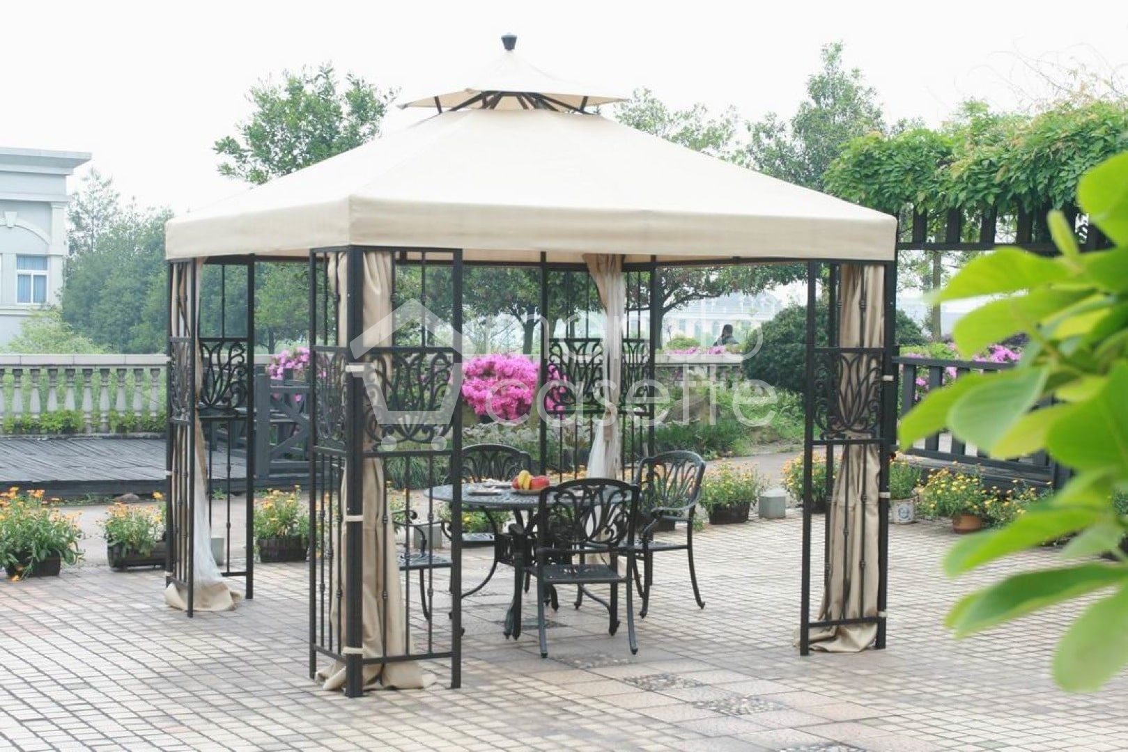 GAZEBO IN FERRO BATTUTO KUWANA
