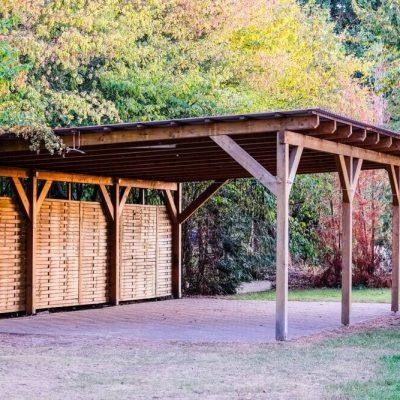 Carport: Tettoia in legno per auto caratteristiche e vantaggi